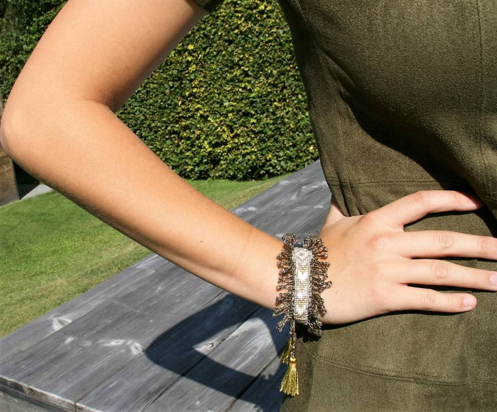 Nilu bracelet crochet khaki and yellow tassel