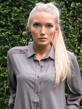 Blouse / khaki dressshirt
