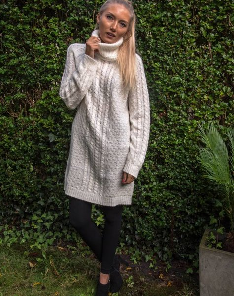 Pull / cream turtleneck dress