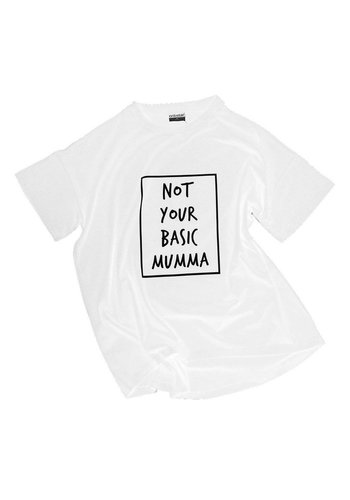 T-shirt Not Your Basic Mumma - wit