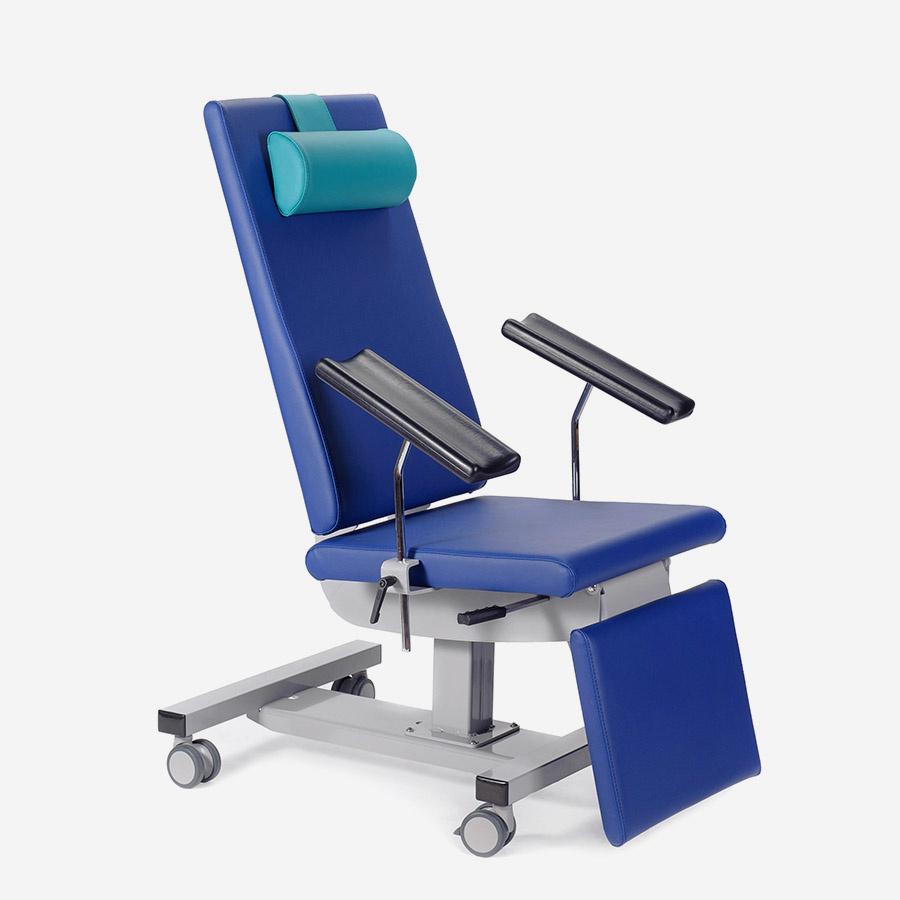 Blutentnahmestuhl 631 - nicht höhenverstellbar - inkl. Rollen und Armauflagen
