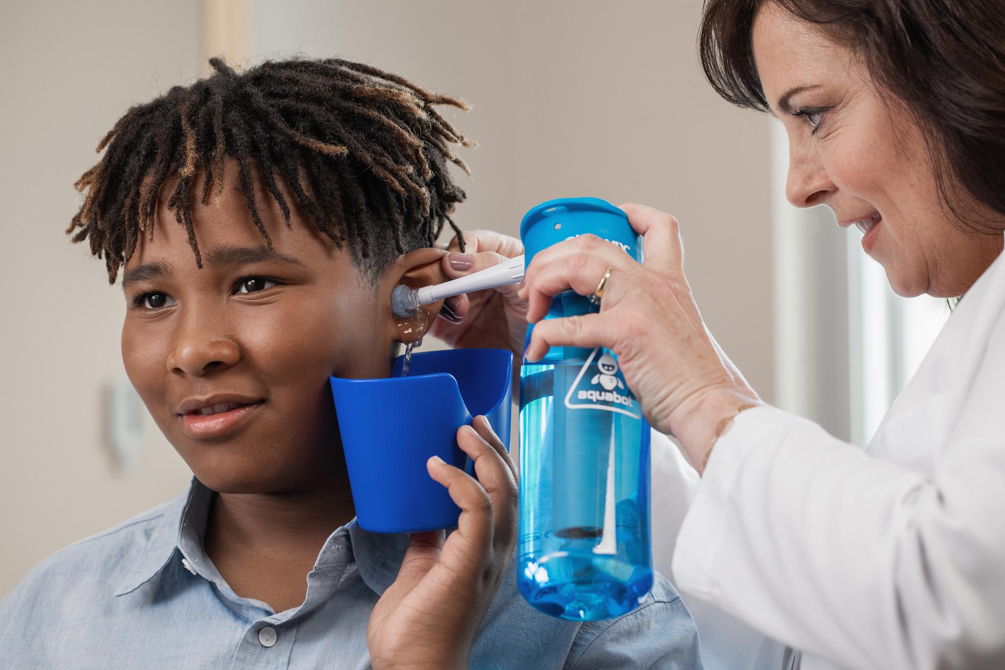 Bionix OtoClear Aquabot ear syringe starter set