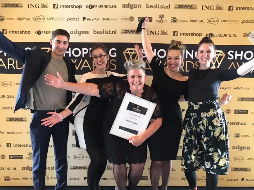 Team Puur Mieke op uitreiking Shopping Awards