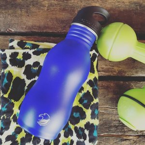 One Green Bottle Curvy - Powder Dark Plum - met Quench cap - 500ml