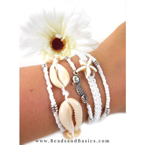 Making a Shell Bracelet With Macramé Cord
