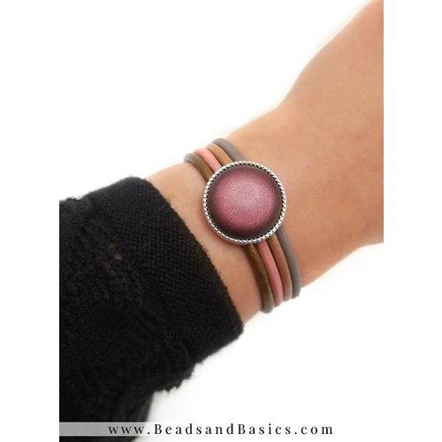 Bracelet With 4 Colors leatherAnd Mesh Closure