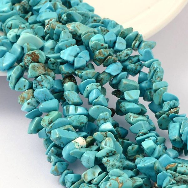 Dyed Natural Jade Chip Kralen - Imitation Turquoise 4-8mm, streng 210 stuks
