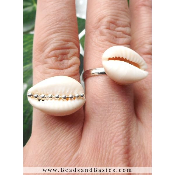 Rings With Kauri Shell Beads - With Ballchain
