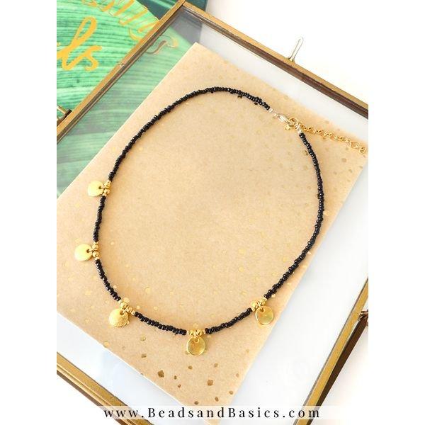 Gouden Muntjes Ketting Met Zwarte Rocailles