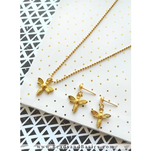 Minimalistic Necklaces With Bee Charms - Silver And Gold
