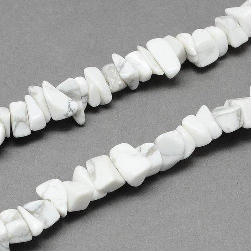 Strand 80cm Natural Stone Chip Beads Howlite 4-10mm, circa 210 pieces