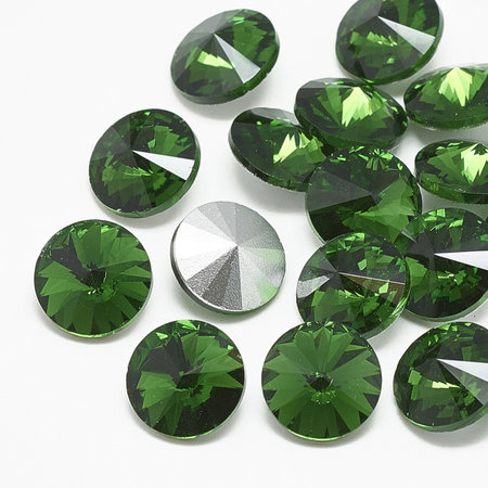 Rivoli Pointstone 12mm Green