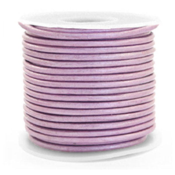 DQ Leather 3mm Lilac Metallic, 1 meter