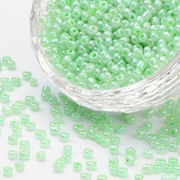 Seed Beads Pastel Green Shine 4mm, 20 gram