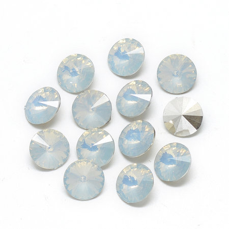 Puntsteen White Opal 6mm