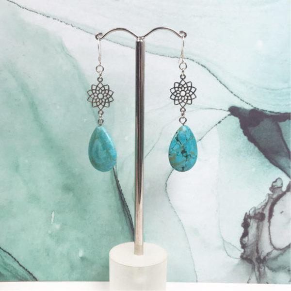 Natural Turquoise Druppelkralen 25x18mm, streng 16 stuks