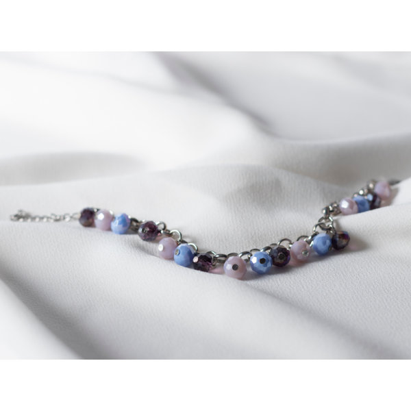 How To Make a Charm Bracelet with Faceted Beads
