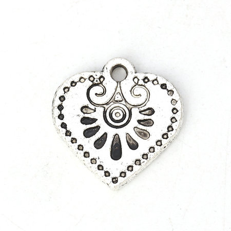 5 pieces Boho Chic Heart Charm 16x15mm Silver