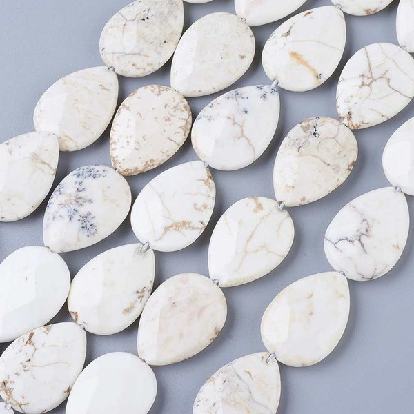 Natural Howlite Faceted Dropbeads 24x18mm, strand 17 pieces