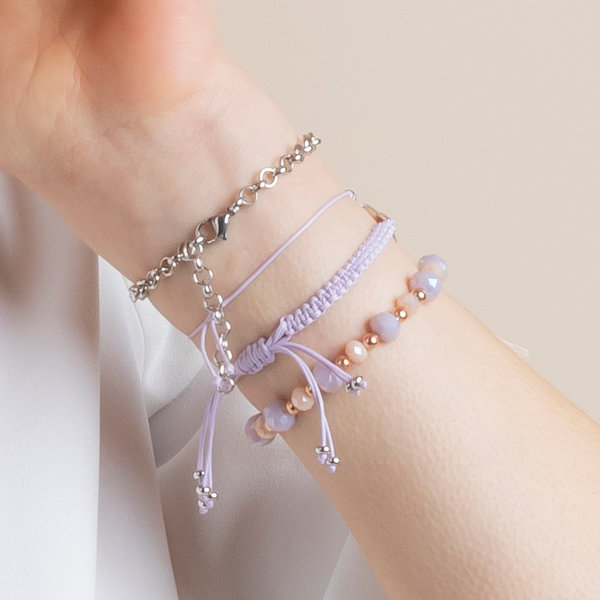 Making Bracelets in Lilac and Salmon Pink