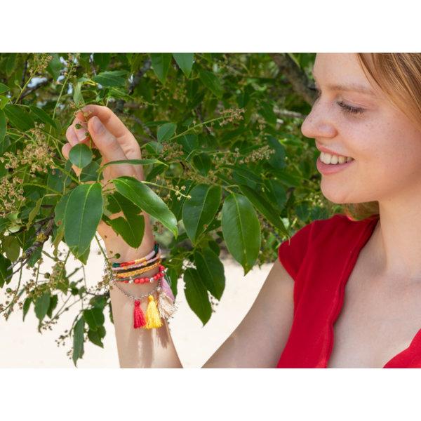 Kleurrijke Armband Maken met Kwastjes en Verdelers