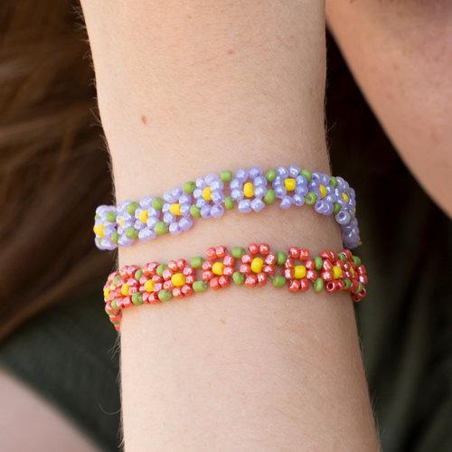 Bloemetje Armbandje Maken met Rocailles