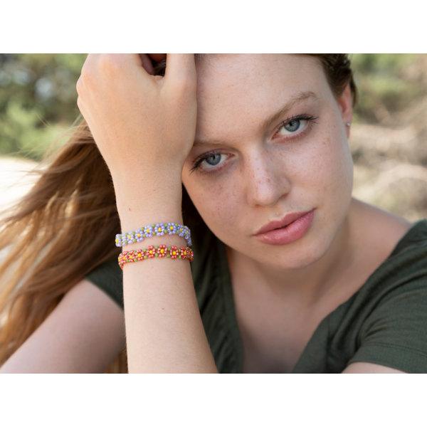 Bloemetjes Beadwork Armbandje Maken met Rocailles