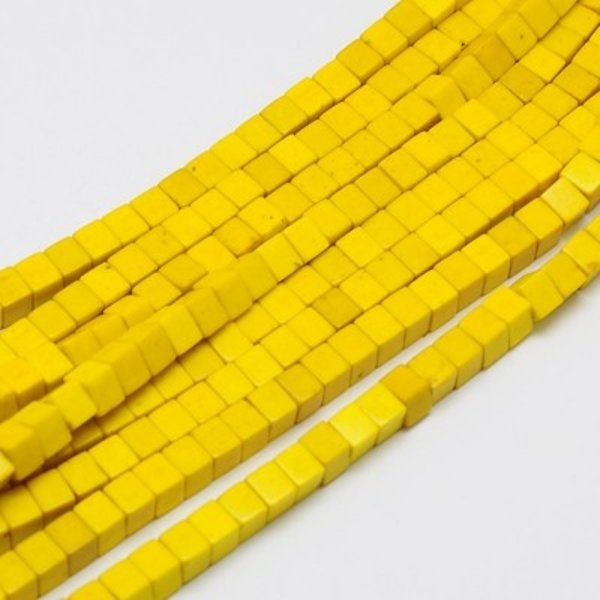 Cube Beads Yellow 4mm, strand 90 Pieces