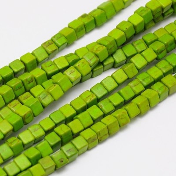 Cube Beads Green 4mm, strand 90 Pieces