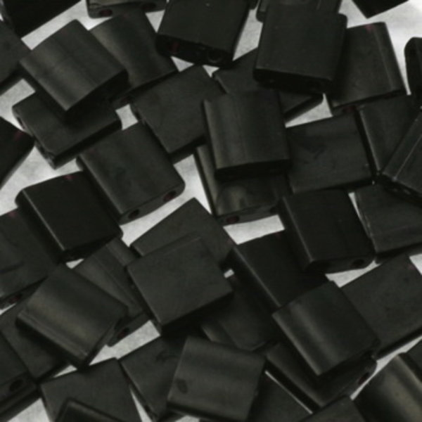 Miyuki Tila 5x5mm Opaque Matte Black, 35 Pieces