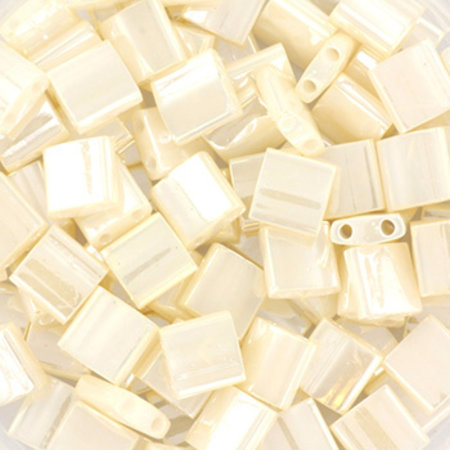 35 Pieces Miyuki Tila 5x5mm Ceylon Antique Ivory Pearl