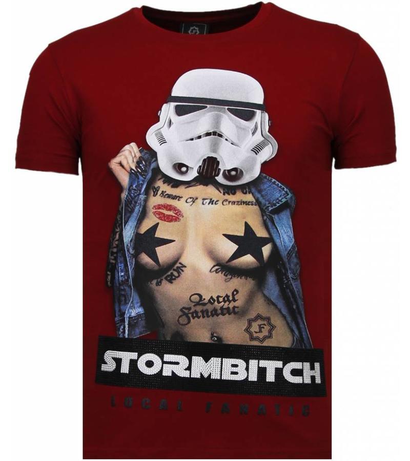 Local Fanatic Stormbitch Rhinestone - T Shirt Herr - 5770B - Bordeaux