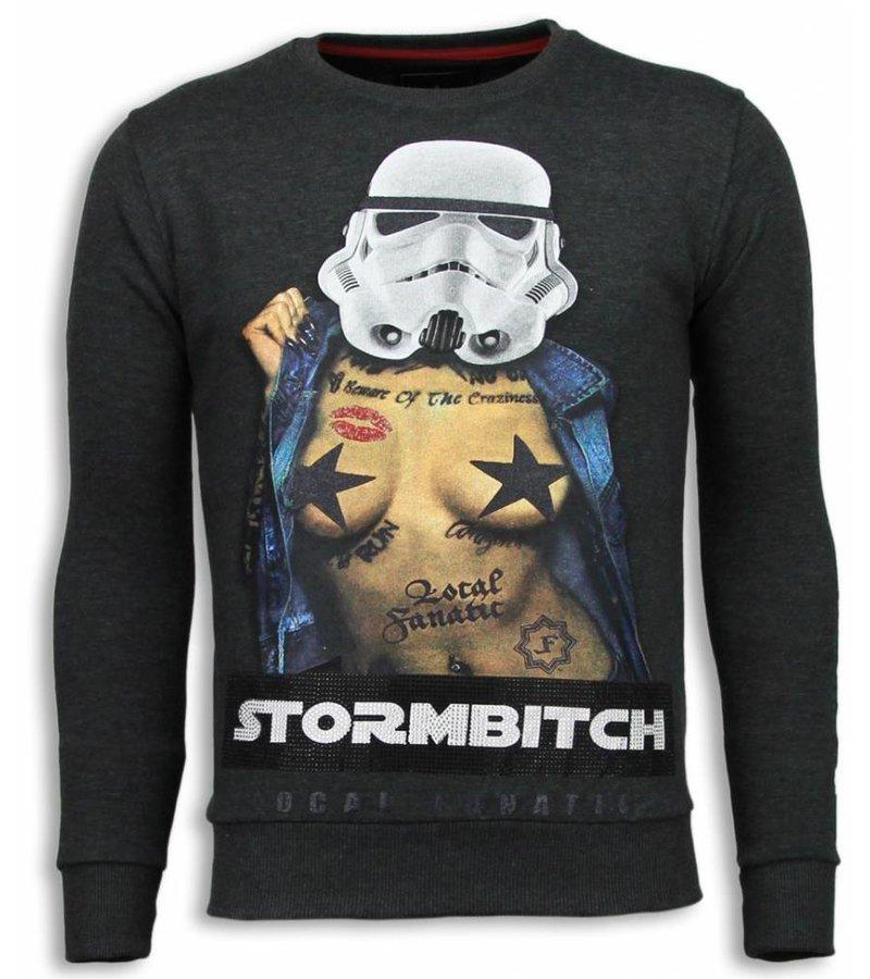 Local Fanatic Stormbitch Rhinestone Sweater - Herrtröjor - 5911A - Stenkol