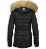 Milan Ferronetti Jacken mit Fellkragen - Damen Winterjacke Hälfte Lang - Black On Black Edition - Schwarz