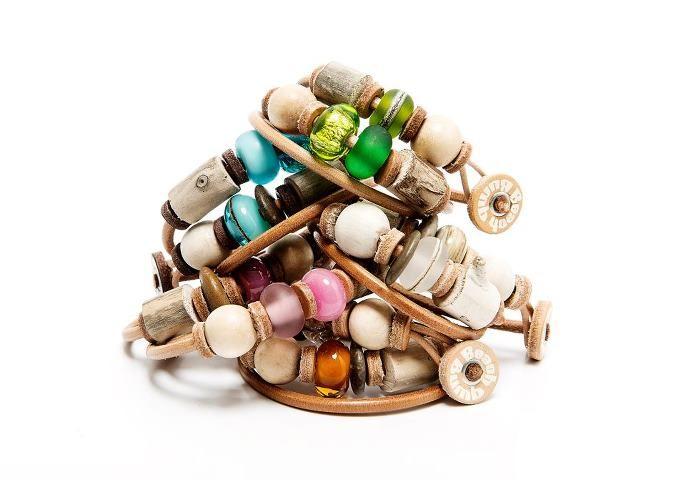 Unieke Ibiza Stijl Armbanden met juttersmateriaal (PERSBERICHT)