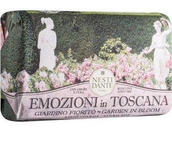 Nesti Dante Emozioni In Toscana Garden In Bloom