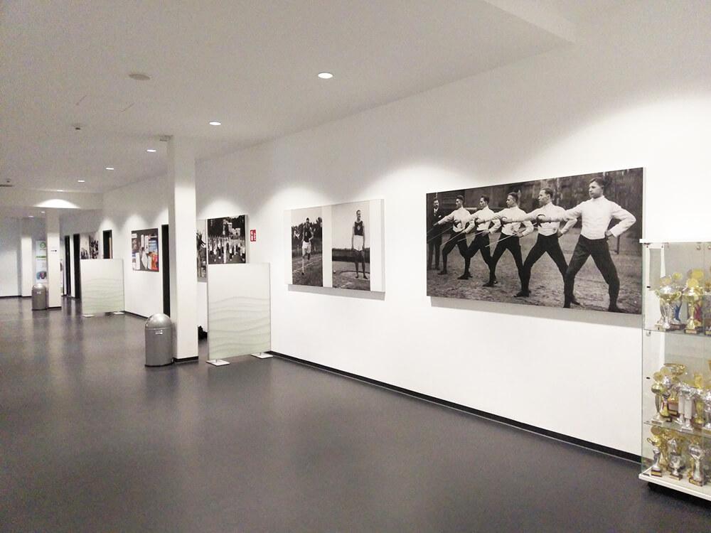 Schallabsorption mit Akustikbildern mit Vereinsgeschichte