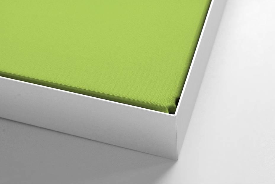 Schallabsorber für Beamerprojektion, weißer Rahmen, Format 16:9