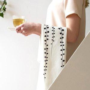 Jurianne Matter Theedoek Rosary vine