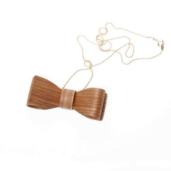 Hring eftir hring Necklace wooden bow