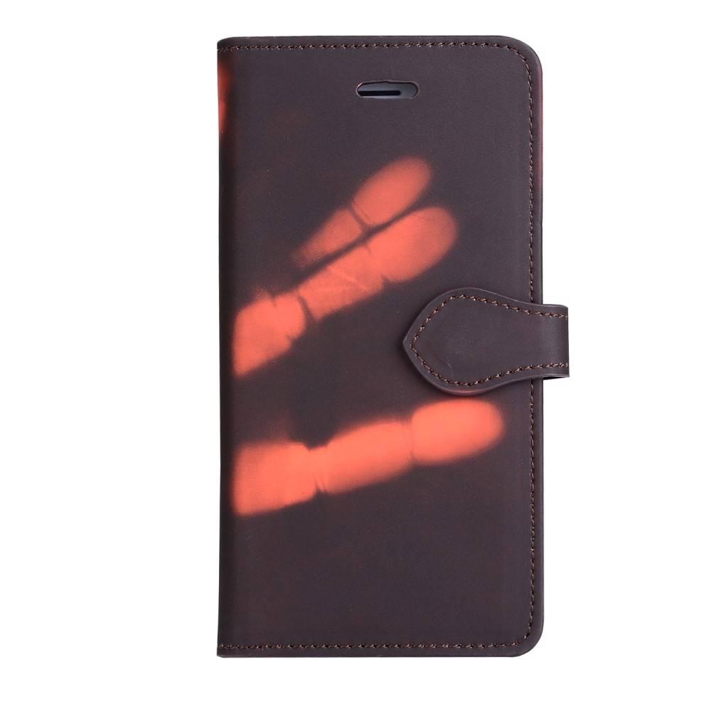 Thermo portemonnee hoesje iPhone 7 PLUS en iPhone 8 PLUS Bruin wordt oranje bij