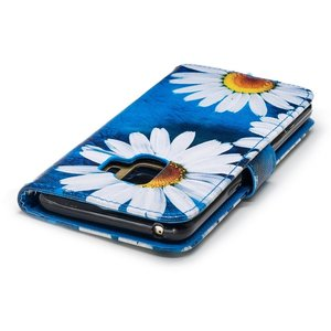 Hemels blauw met chrysantenSamsun Galaxy S9 portemonnee hoes