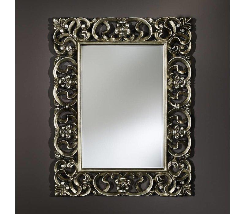 'Baroque' is een mooie klassieke spiegel van 101 x 130 cm in zilveren lijst