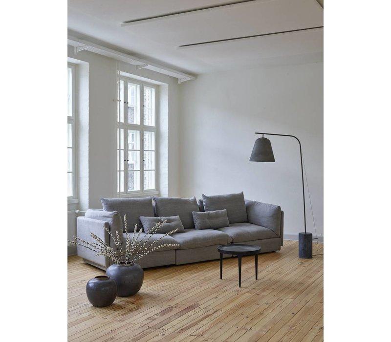 Design vloerlamp 'Line Two' in de kleur oxidized met ruwe marmeren voet