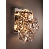 Wandlamp Chandelier Hermitage met een heldere 'nikkel finish' heeft een afmeting van 23x 15x 26cm