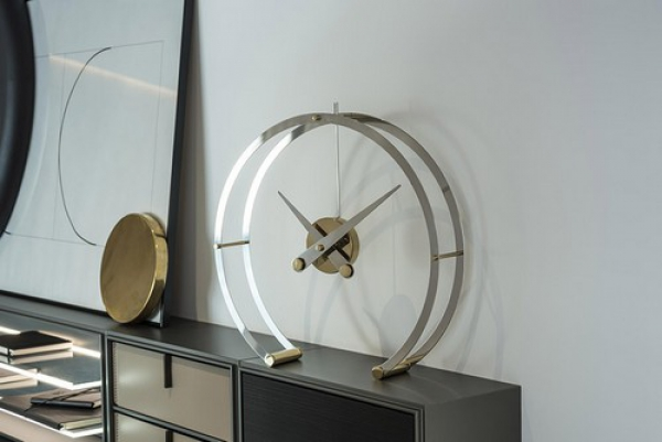 omega-table-clock