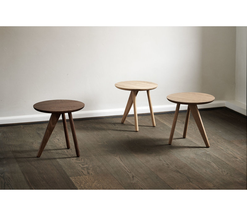 Fin side table 'Smoked'