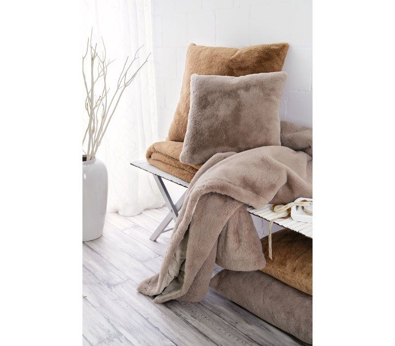 Cushion faux fur 'Guanaco camel'