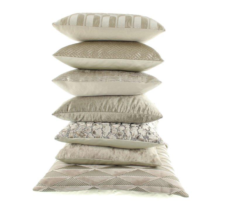 Cushion Bandi Sand
