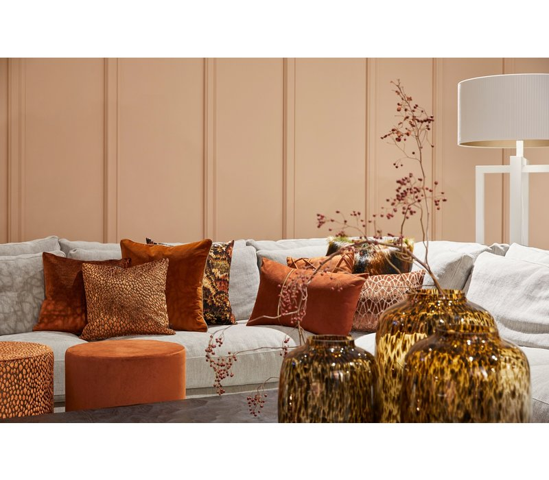 Cushion Rosana in color Copper with gold zipper